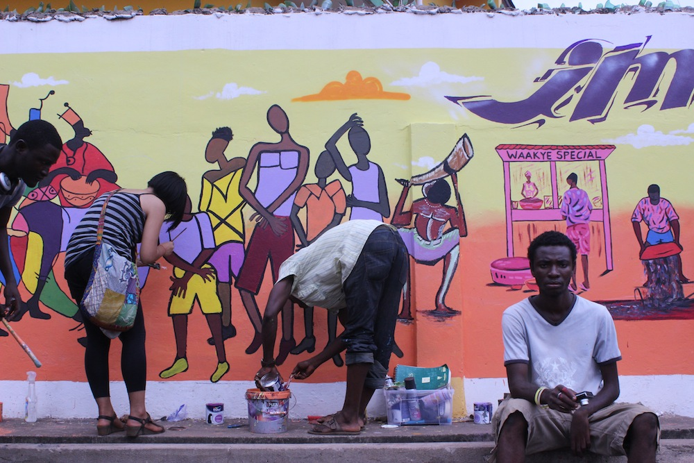 "It's not a wall, it's a mural! Youth and artists ""Imagine Accra"" in Kanda community"